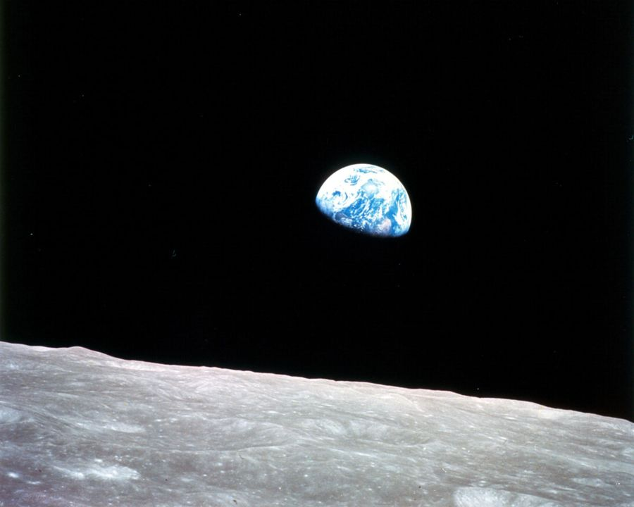 Planet-by-NASA-26-earthrise-dec24-1968-apollo8-first-manned-mission-to-moon