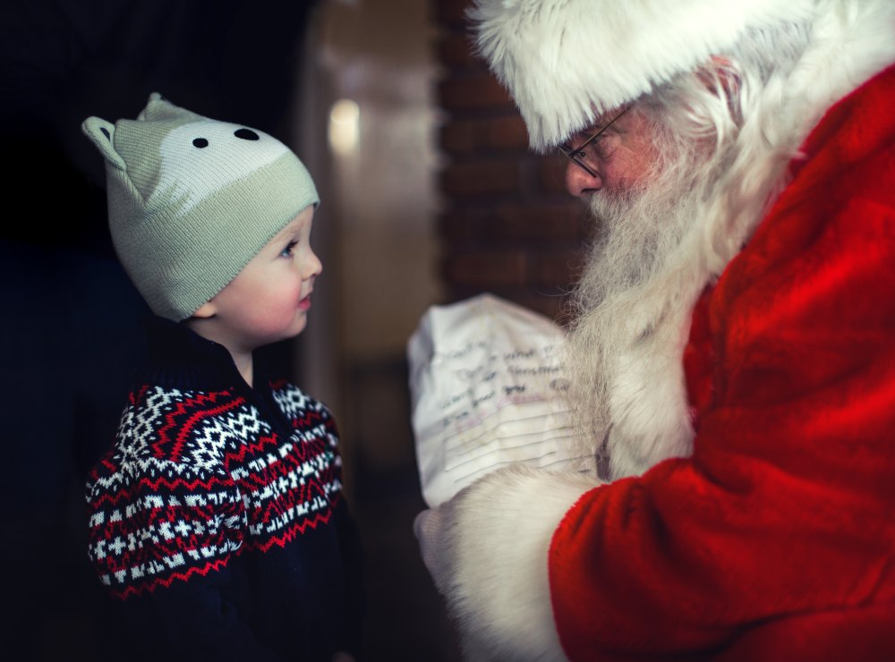 hotel_travel_blogs_father_christmas