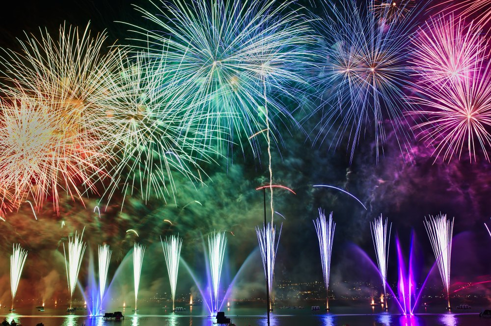 hotel_travel_blogs_fireworks