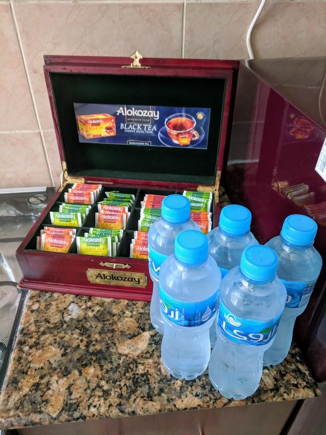 hotel travel blogs com tiger tower dubai marina pinnacle tea coffee water