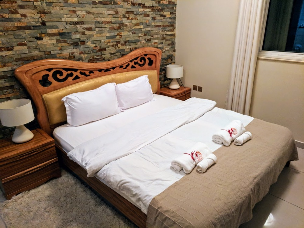 hotel travel blogs dot com dubai marina aprtment tiger tower